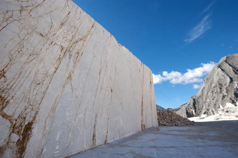 Ripiani pavimenti lapidi loculi in marmo a dolo for Responsabile produzione arredamento
